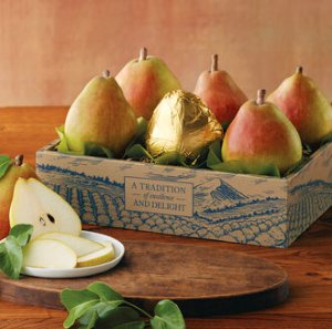 $25.89 (原价$36.99)Cream of the Crop Royal Riviera Pears 甜美多汁大梨 6磅礼盒