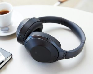 $323.00SONY MDR-1000X Premium Noise Cancelling Bluetooth Headphone