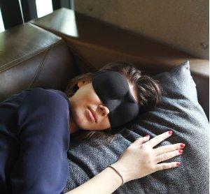 $9.98(原价$18.68)Joly Joy 舒适遮光黑色立体眼罩
