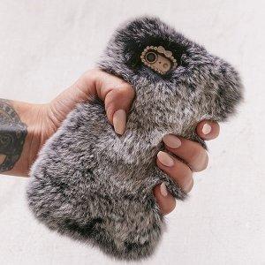 $9.99Velvet Caviar Cozy Faux Fur毛茸茸温馨iphone手机壳