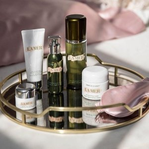 Receive 2 Deluxe Samples of The Moisturizing Matte Lotion and The Eye Concentratewith Any Purchase @ La Mer