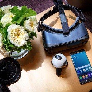 $39Samsung Gear VR Headset + Controller
